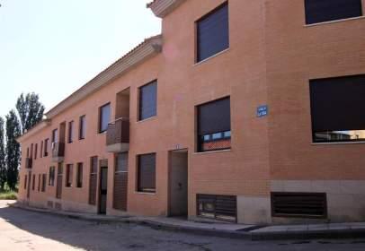 Flat in calle de los Sauces, nº 27